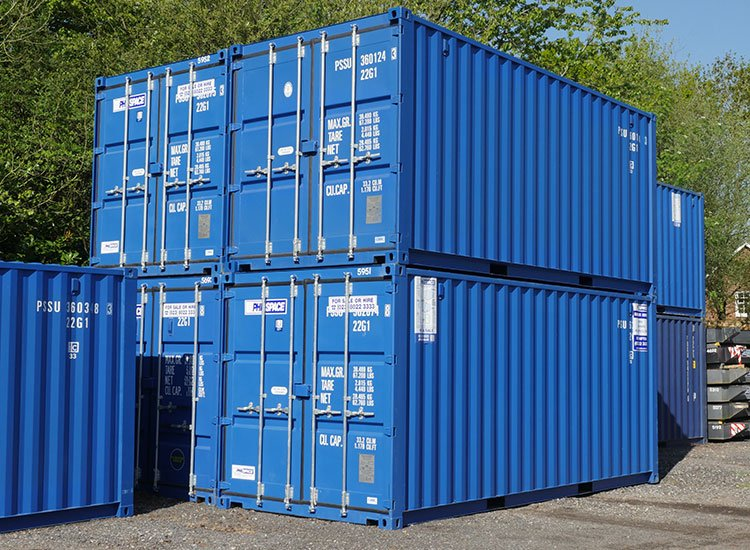 Standard shipping containers stacked - did you know these interesting facts about shipping containers?
