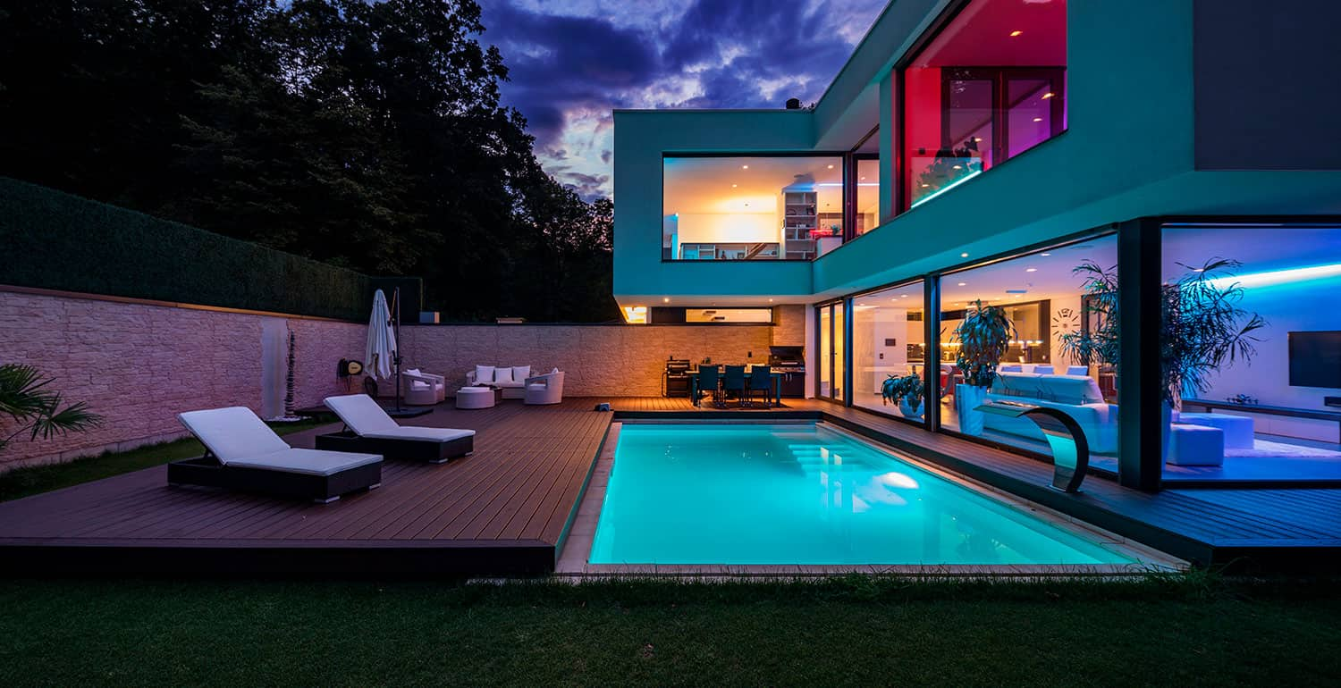 STAY COOL: SHIPPING CONTAINER POOL CONVERSIONS